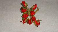 Бутоньерка бутон розы красной ткань 3 шт