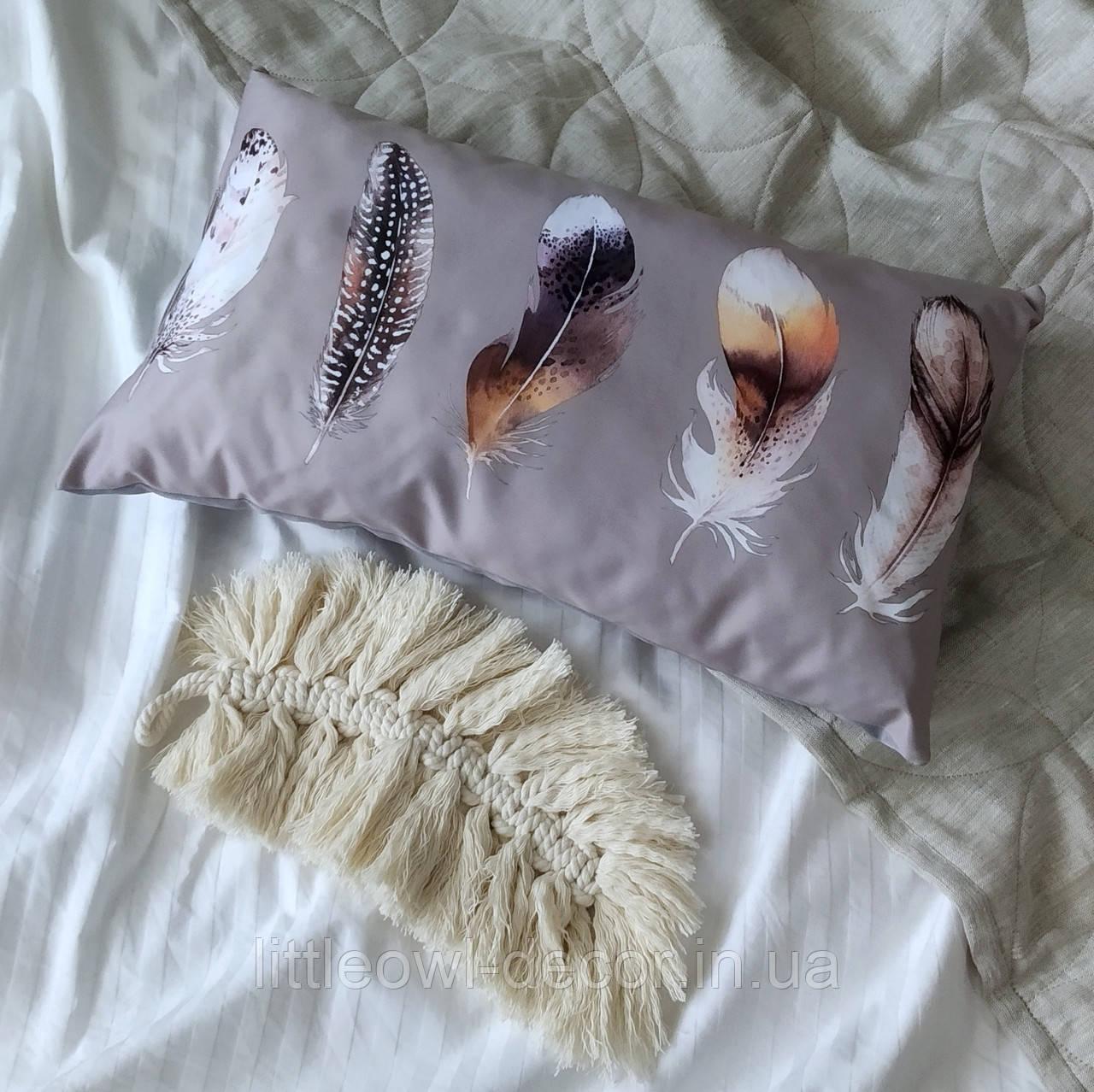 Подушка Перья коричневые 50*30см