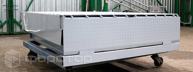 Перегрузочная уравнительная платформа для складского дока