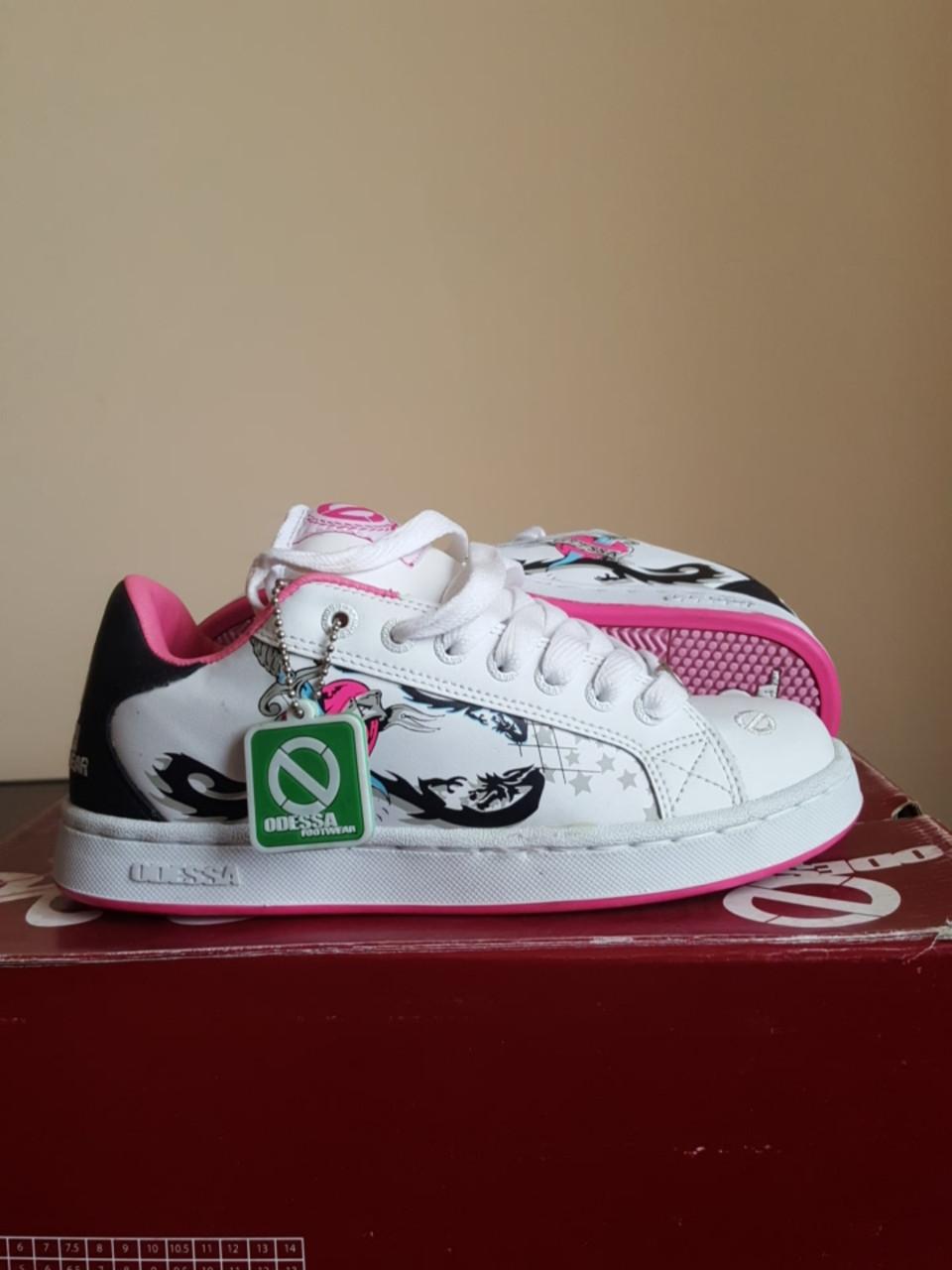 Кросівки Odessa Need G wht/blk/fuschia розмір 36 (22.5 см)