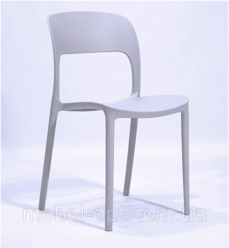 Пластиковый стул Остин (Ostin) светло-серый для открытых площадок, штабелируется в стопку