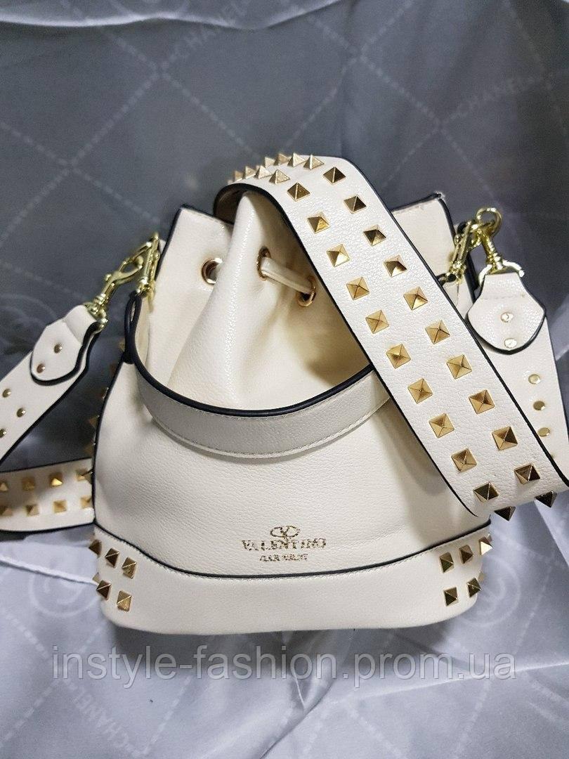 f82fa51b13e6 ... Женская сумка мешок копия Валентино Valentino качественная эко-кожа цвет  молочный, ...