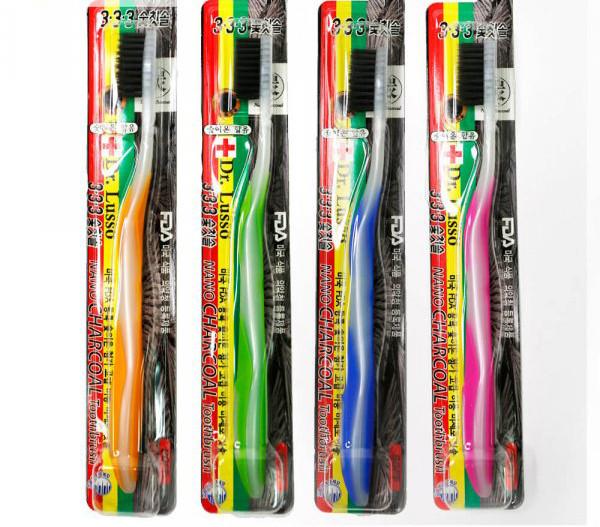 Мягкая зубная щётка с угольным напылениемDr.Lusso Nano Charcoal Toothbrush