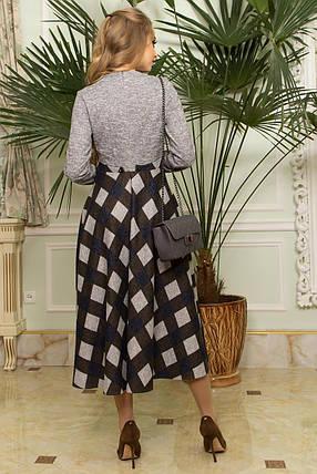 Оригинальное платье миди приталенное юбка клеш клетка длинный рукав серое и хаки, фото 2