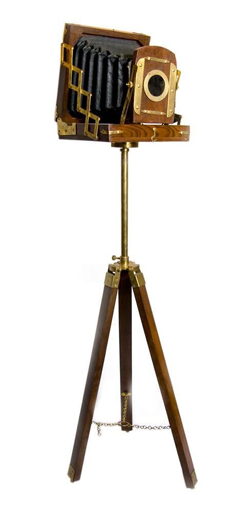Фотоаппарат сувенирный на треноге код 1537