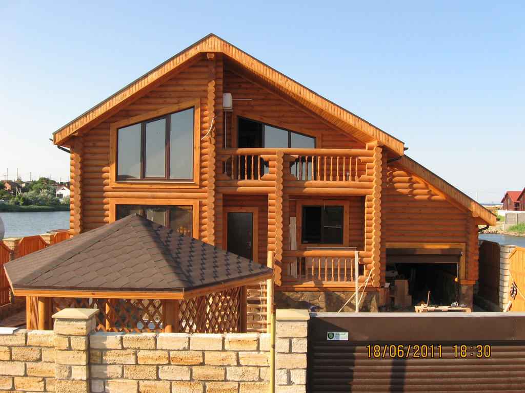 Деревянный дом (сруб)