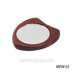 Дзеркало косметичне на дерев'яній основі. MFW-01