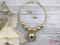 Колье 18793 круглое золотистое с большими бусинами украшение на шею