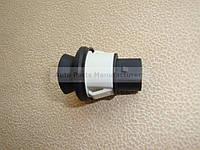 Выключатель дверной VW T-4/Sharan/Golf 3 пер. дверь - свет 104 035