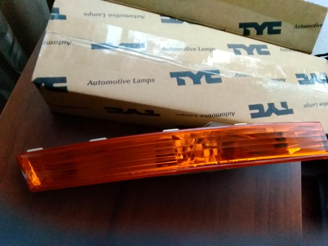 Указатель поворота правый оранжв бампер без патрона Фольцсваген Пассат Volkswagen PASSAT б6 3.05-10.10