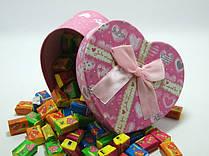 Жевательная жвачка Love is, жвачки лове ис ассорти в подарочной упаковке 70 шт