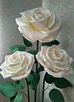 Розы белые на стойке. Большие ростовые цветы из изолона.