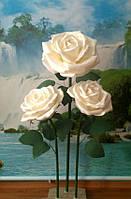 Розы белые на стойке. Большие ростовые цветы из изолона., фото 1