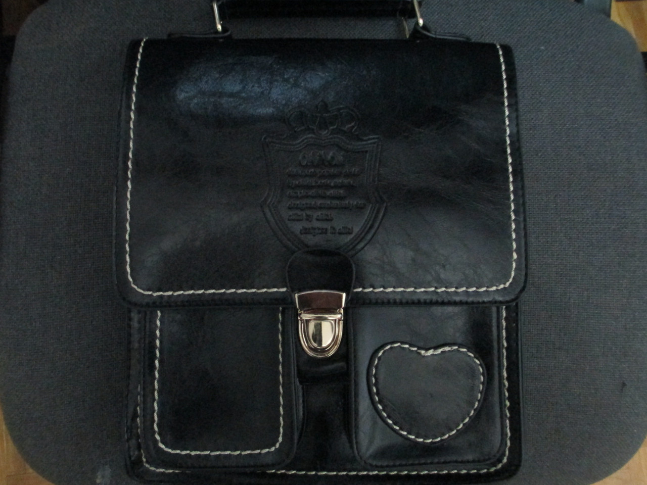 Кожаная  сумка ALILAI производства Индонезия. Сумка планшет через плечо. Городской рюкзак.