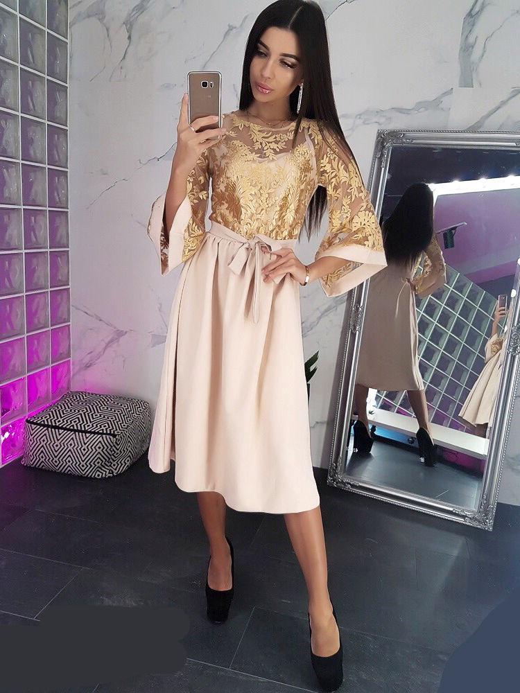 34b3e9a35c8b5 Бежевое платье миди с расклешенными рукавами и золотистым кружевом VL5019  M. Размер 44. -