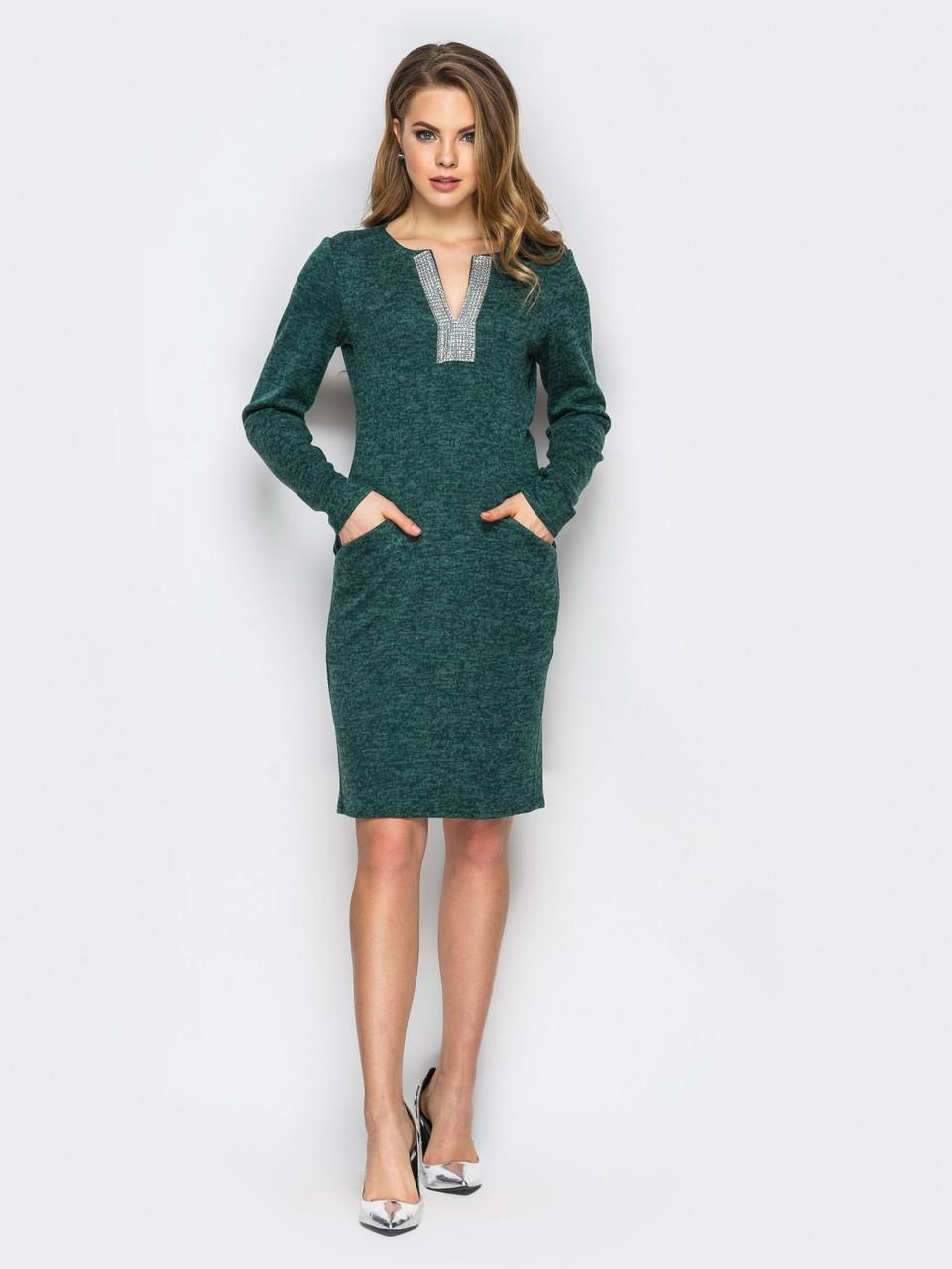 46abca8689a ◼Трикотажное платье с вырезом украшенным стразами (зеленое