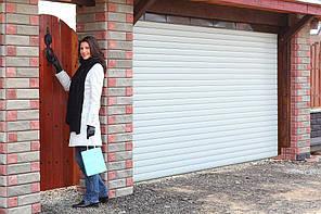 Ворота автоматические рулонные роллетные Алютех, 3000х2200, профиль AG/77 с накладным монтажом