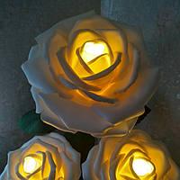 Розы белые на стойке - торшере. Большие ростовые цветы из изолона.