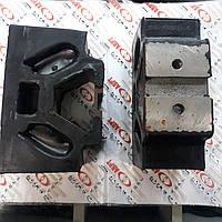 Подушка опоры двигателя 150.00.075 (Т-150, СМД-60) боковая «домик»