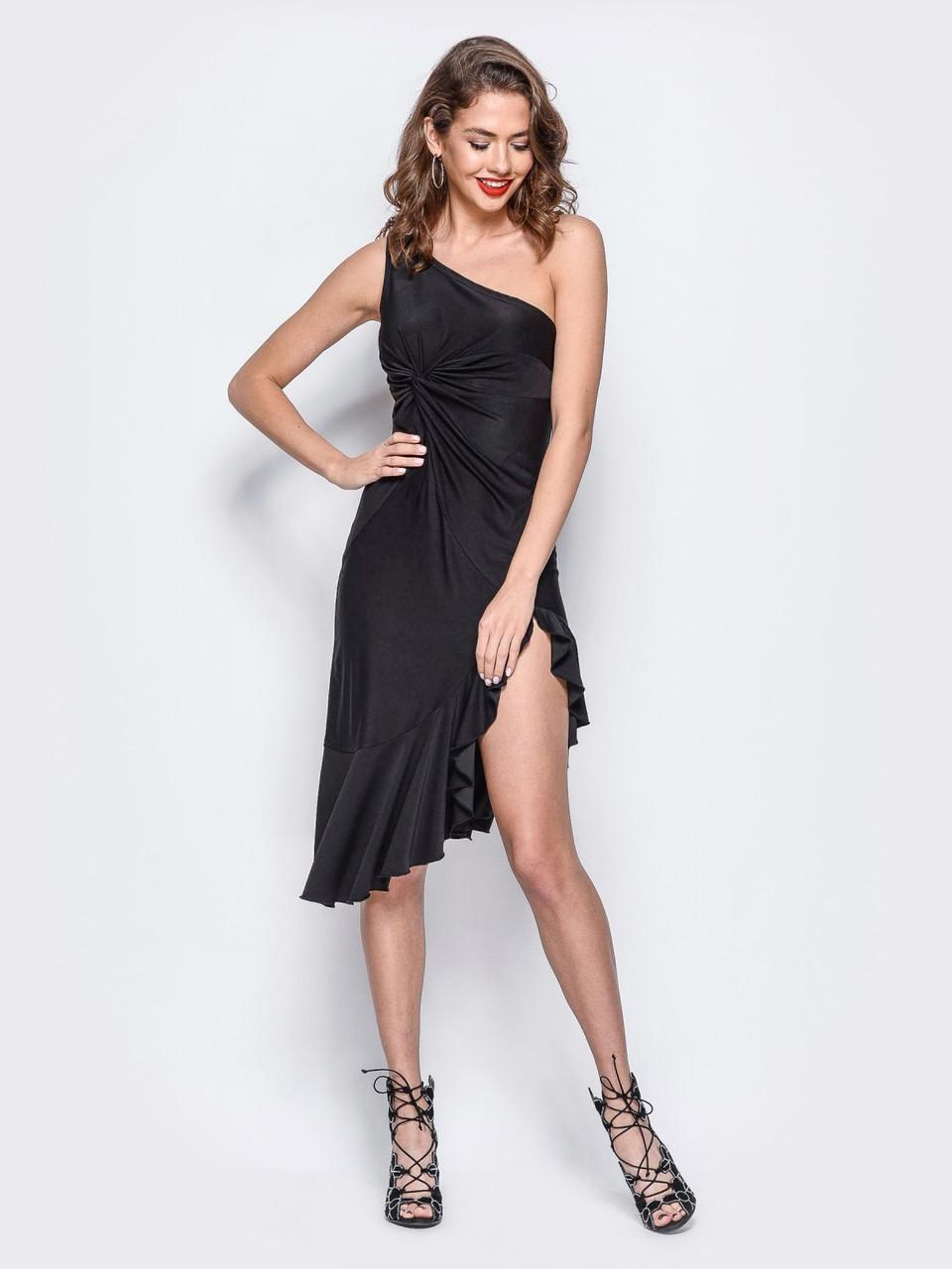 58e8b78e2acb55b ⭕️Вечернее черное платье с бретелей на одно плечо (с разрезом, с воланом)