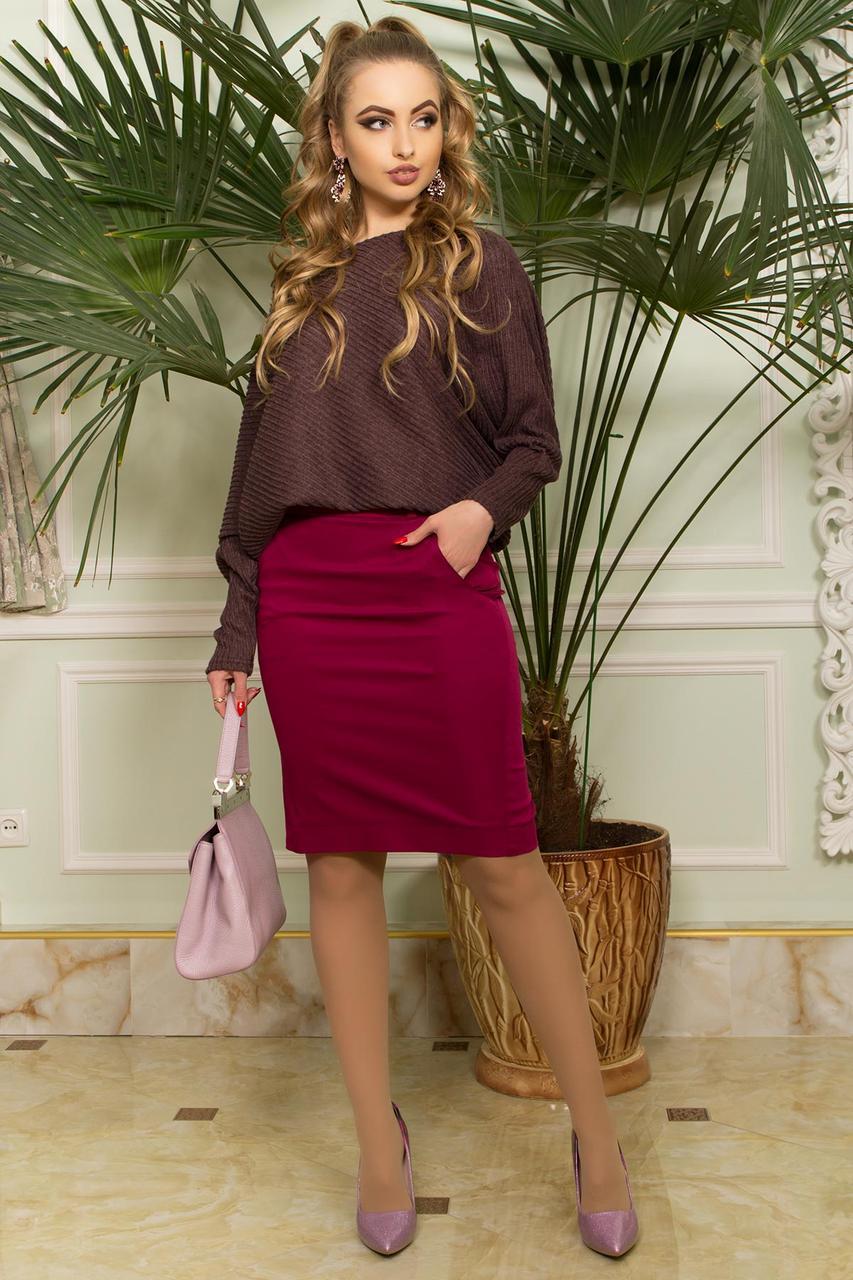 Женская кофта с открытым плечом коричневая