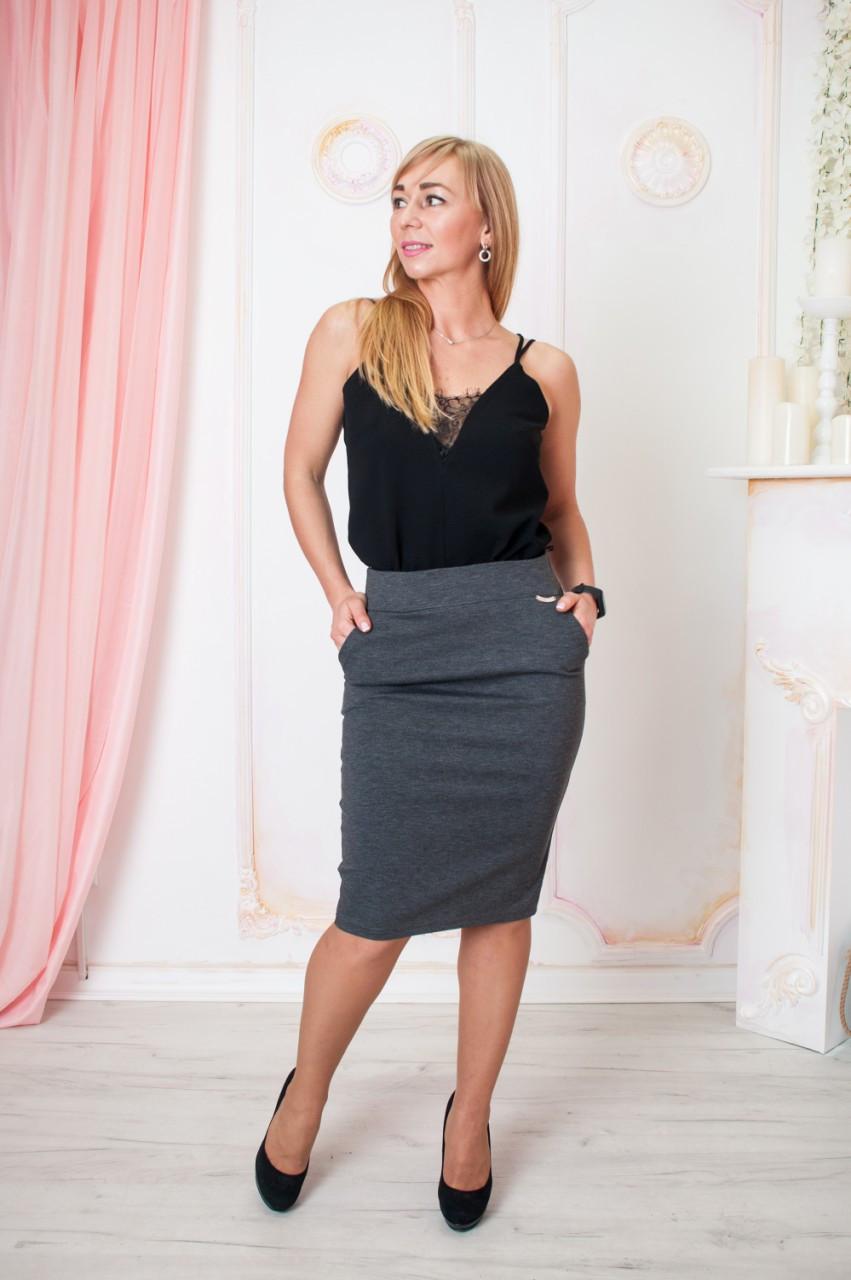 Серая классическая приталенная юбка  Размер 44-54