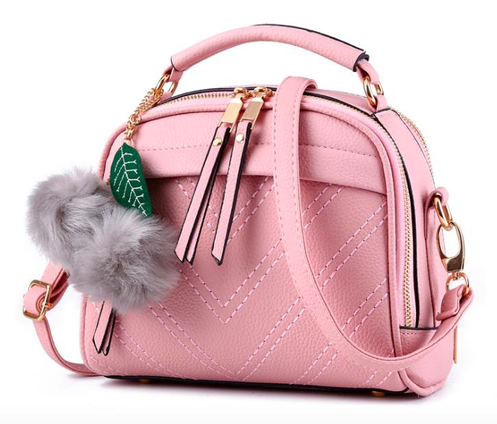 Сумка женская с ручкой через плечо Stylish bag с помпоном Розовая