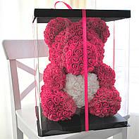 Мишко з червоних 3D троянд ведмідь Тедді з білим серцем в подарунковій упаковці 40 см червоний