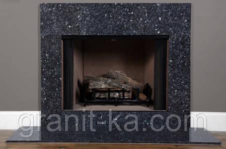 Камин в гостиной из гранита, фото 2