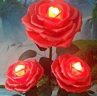 Розы красные на стойке - торшере. Большие ростовые цветы из изолона.