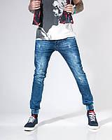 Большой ассортимент мужских джинсов