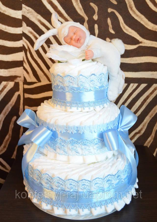Торт из памперсов с красивой игрушкой