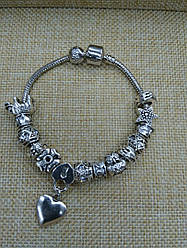 Жіночий браслет з підвісками lola