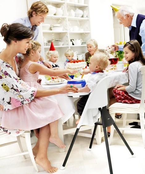 Наконец-то спокойcтвие за столом для всей семьи