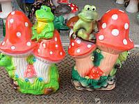 Фигурка для сада  Веселые жабки на грибочках 38 см.