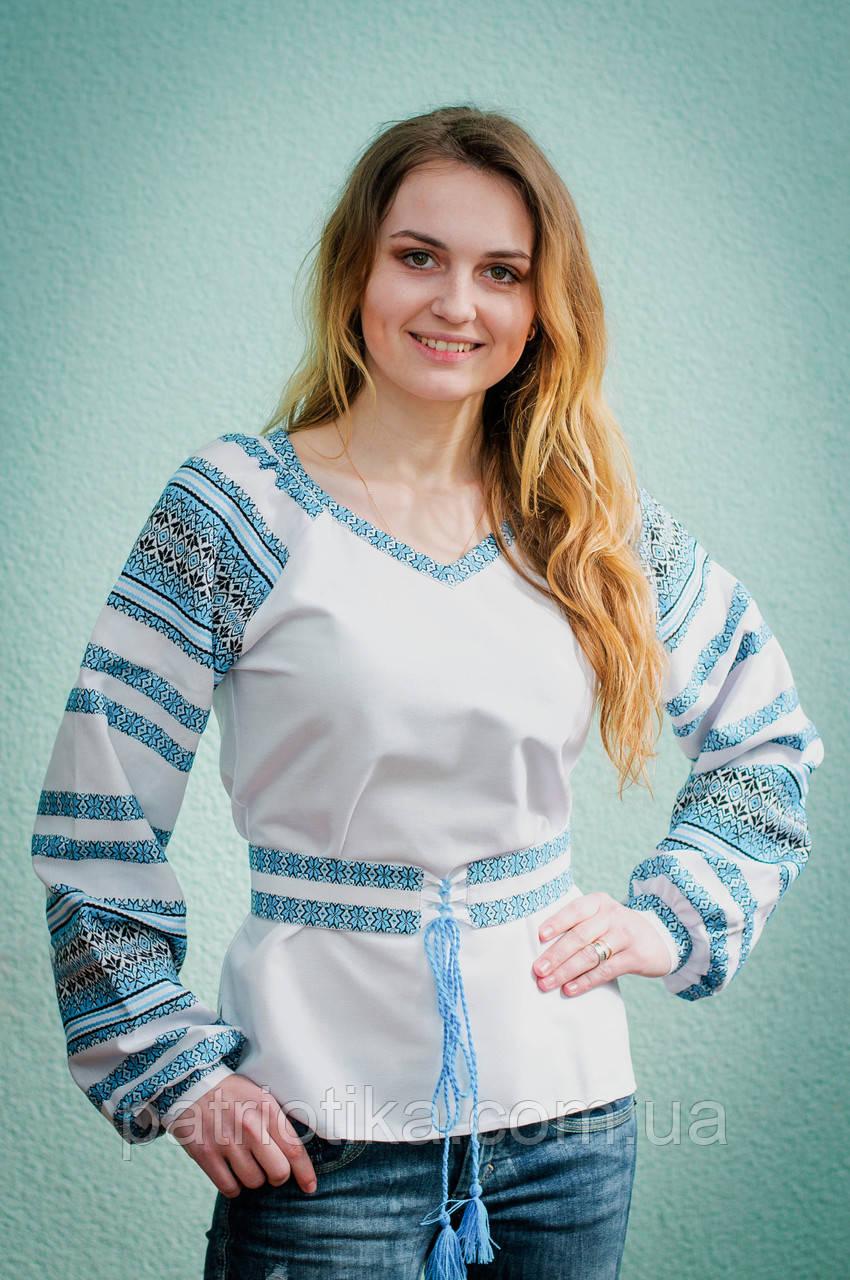 Женская вышиванка с синим орнаментом | Жіноча вишиванка із синім орнаментом
