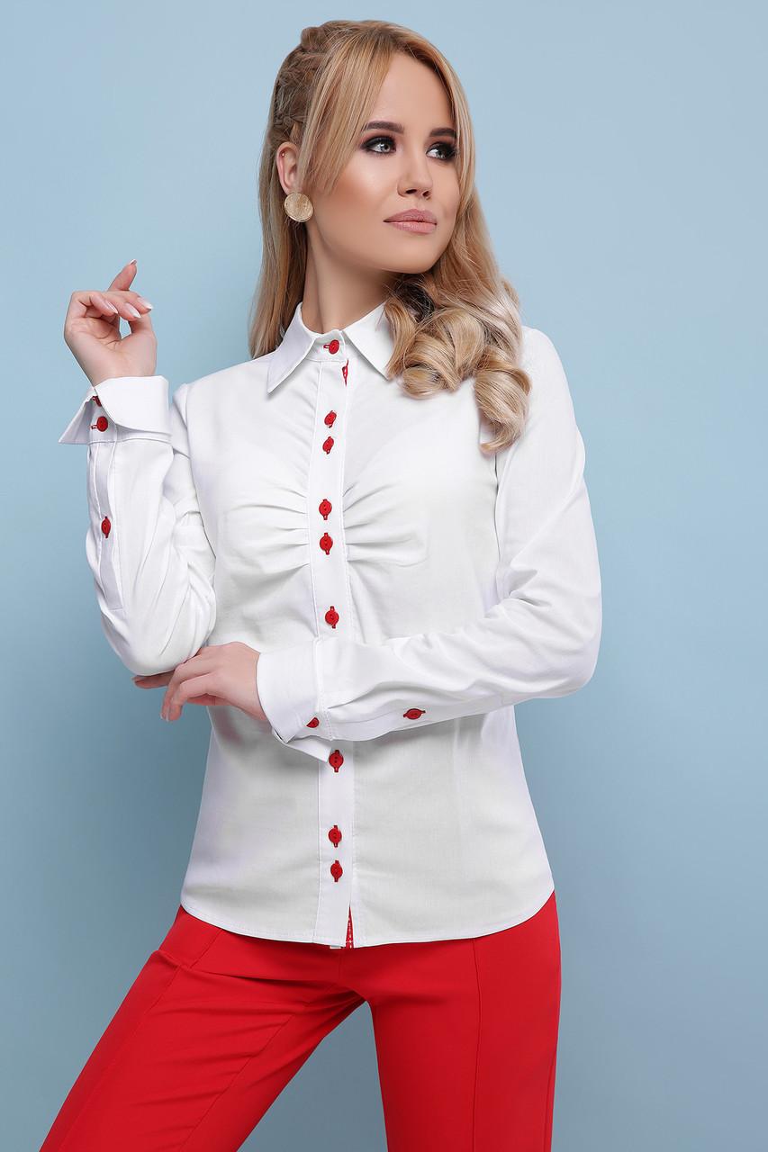 2d41f076d3e Стильная офисная белая блузка с драпировкой и красными пуговицами ...