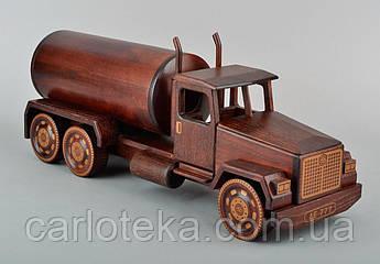 Автомобіль вантажний цистерна