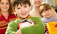 Какую полезную игрушку подарить ребенку?