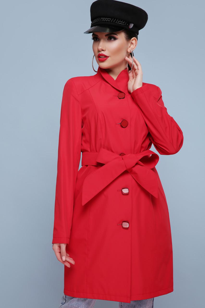 Яркий весенний женский плащ с поясом красный