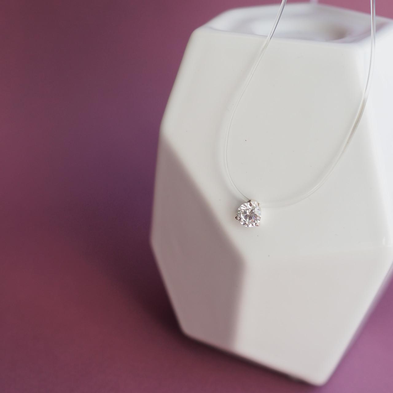 Колье-невидимка на силиконовой нитке