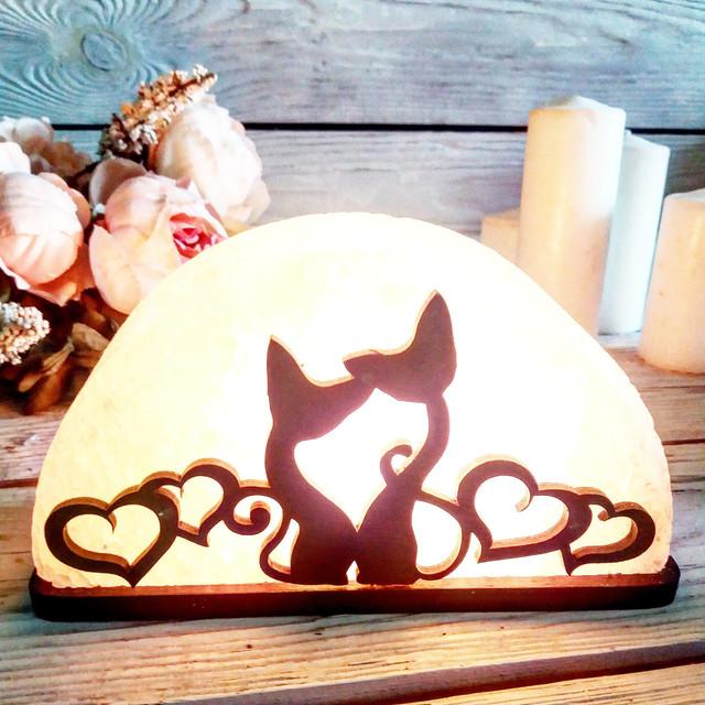 Соляная лампа «Коты с сердцами» 1,5 кг.