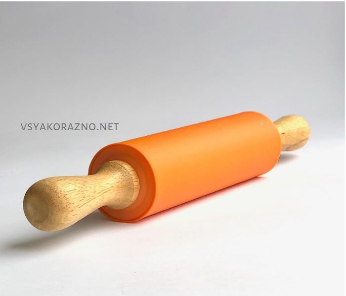 Силиконовая скалка с деревянными ручками 39 см