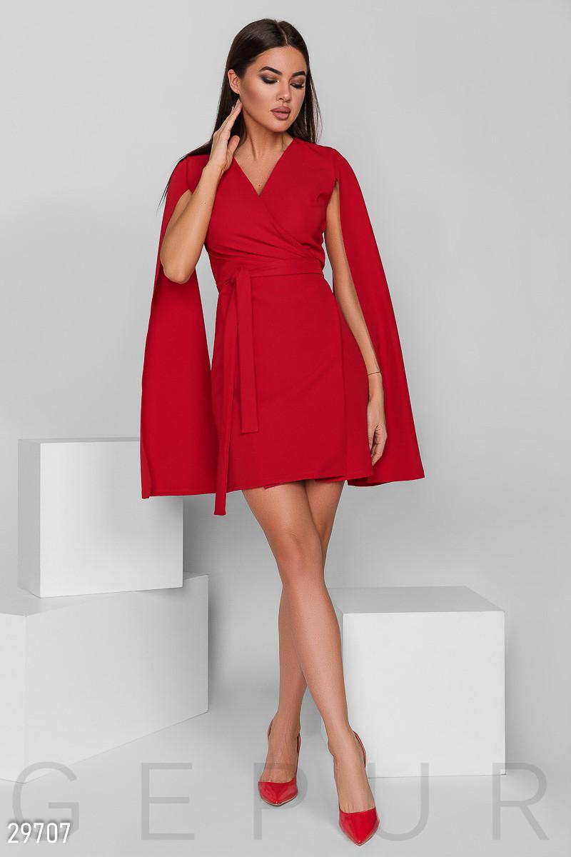 Оригинальное платье мини на запах с открытыми рукавами