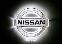 Автоемблема з підсвіткою Slight Nissan Tiida біло-червона / Автоэмблема с подсветкой Ниссан Тиида бело-красная