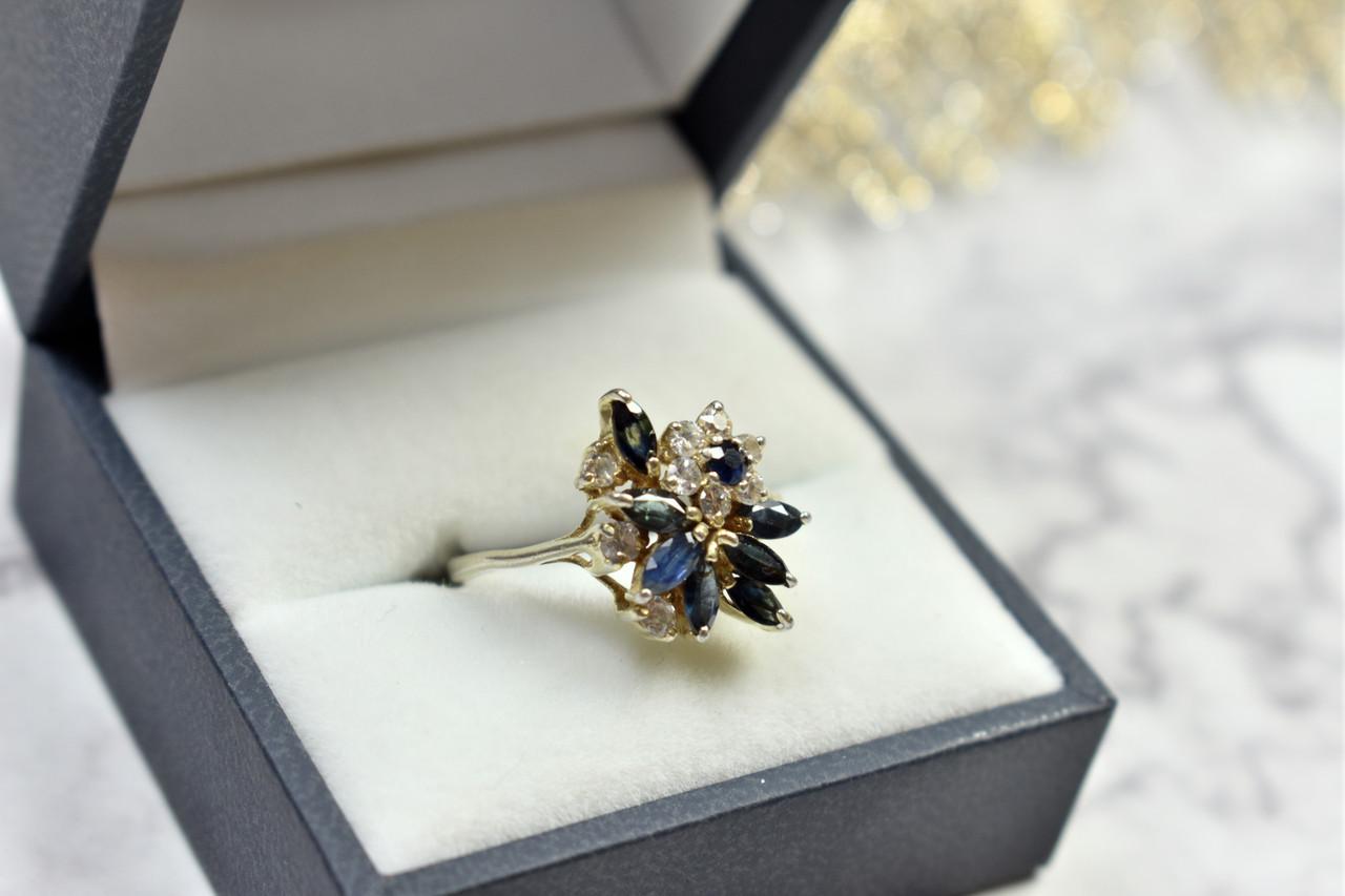 Серебряное кольцо с темно-синей Шпинелью и фианитами