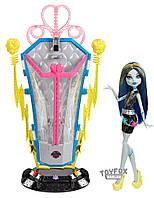 Кукла Monster High Монстер Хай Frankie Stein Фрэнки Штейн Recharge Chamber Станция подзарядки Freaky Fusion