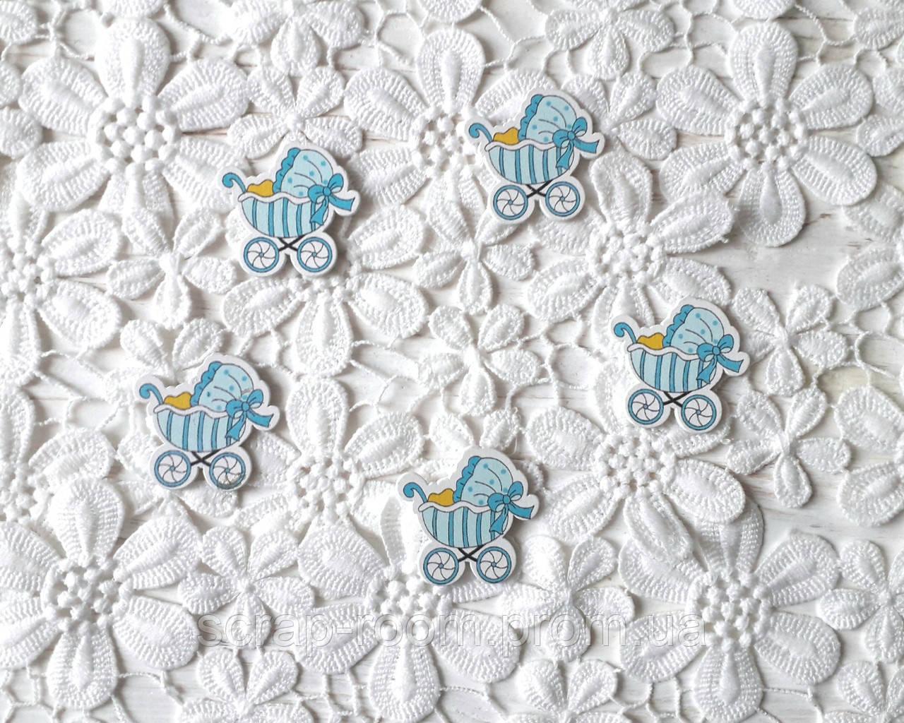 Деревянный кабошон детский Коляска голубая мальчик, голубой цветной декор