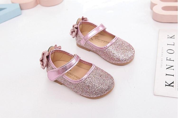 Туфли  нарядные детские  на девочку с блесткам розовые с бантиком