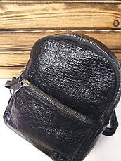 Женский рюкзак черного металлизированного цвета, один отдел, дополнительный карман, регулируемые лямки, фото 2